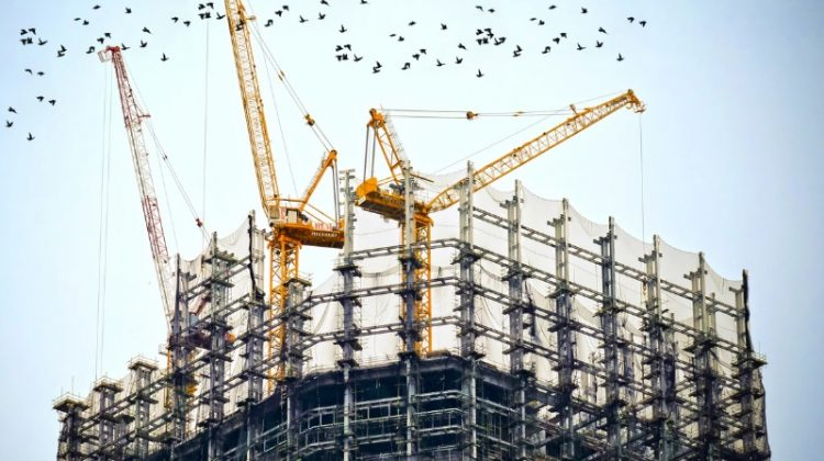 Common problems in construction planning include: poor communication, inefficient resource and risk planning, and having no process for change control.