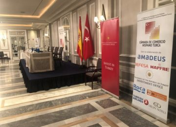 Ceremonia de Entrega Oficial de la Cámara de Comercio e Industria Hispano-Turca